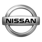 Nissan tolóajtó görgő